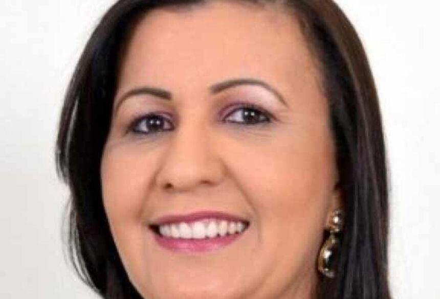 Márcia Vita e uma segunda pessoa são suspeitas de tentar cobrar R$ 80 mil de vereadora de Água Clara para interferir em um processo de cassação; acusadas usaram bilhetes para iniciar negociações