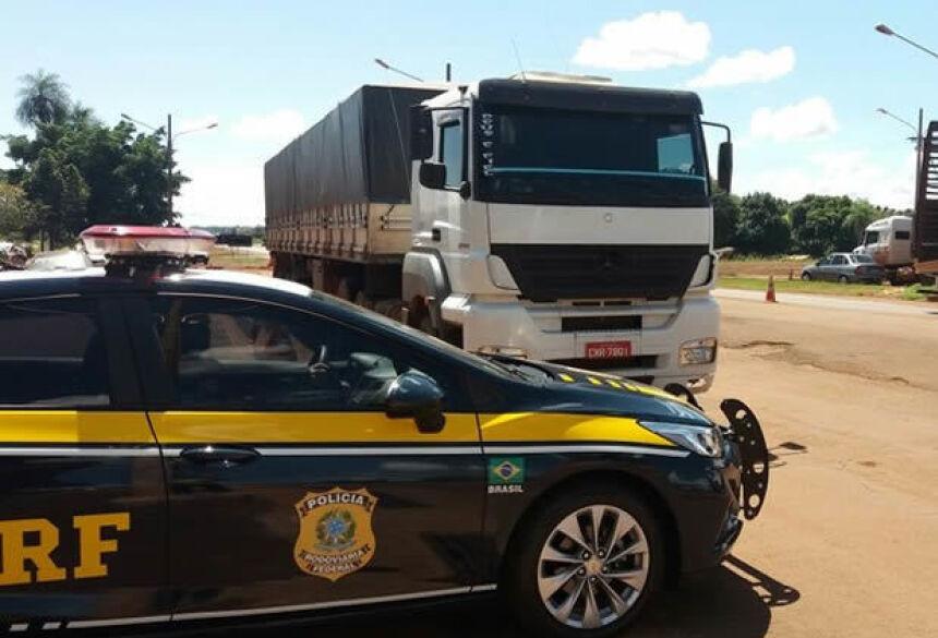 Caminhão apreendido com 500 quilos de maconha na BR-163 - Crédito: Osvaldo Duarte