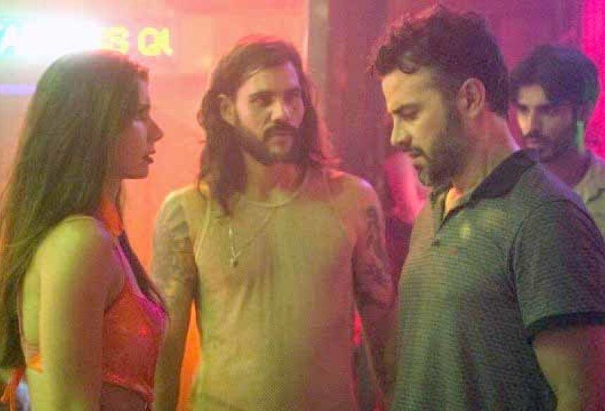 """Desirée e Juvenal em """"O outro lado do paraíso"""" Foto: Rede Globo/Reprodução"""