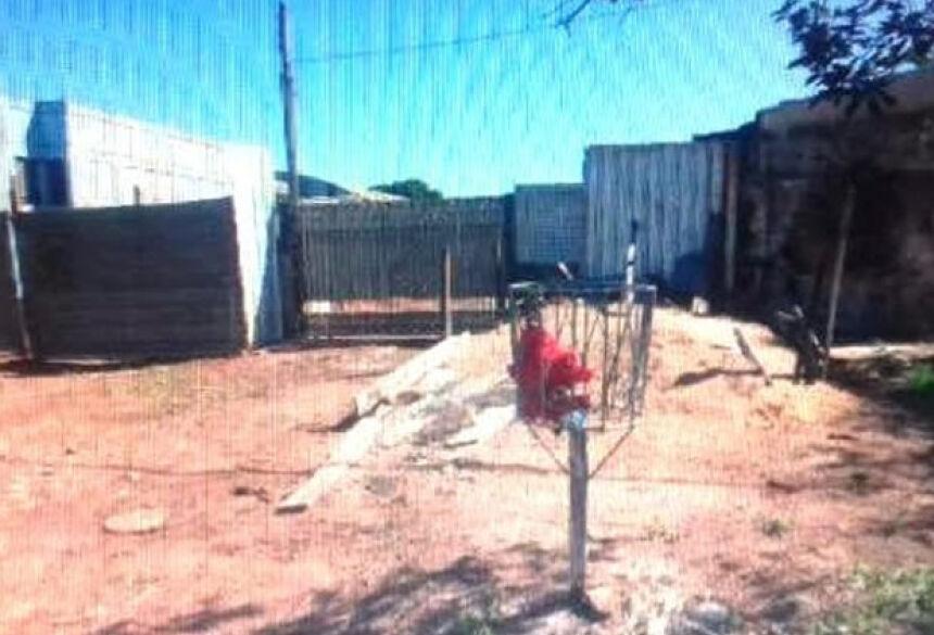 Casaco e arma utilizados por assassinos foram localizados abandonados - Foto: Reprodução