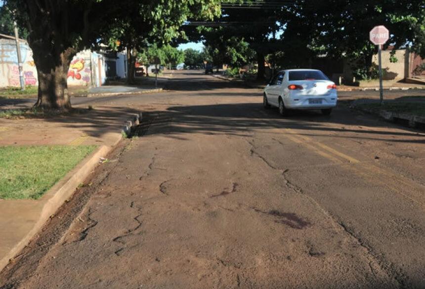 Vítima foi encontrada caída na região do Bairro Marcos Roberto - Foto: Valdenir Rezende / Correio do Estado