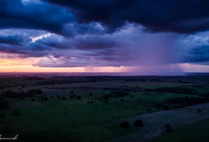 FOTO: GEONE BERNARDO - Alerta de tempestade e granizo é emitido pelo CPTEC para Mato Grosso do Sul