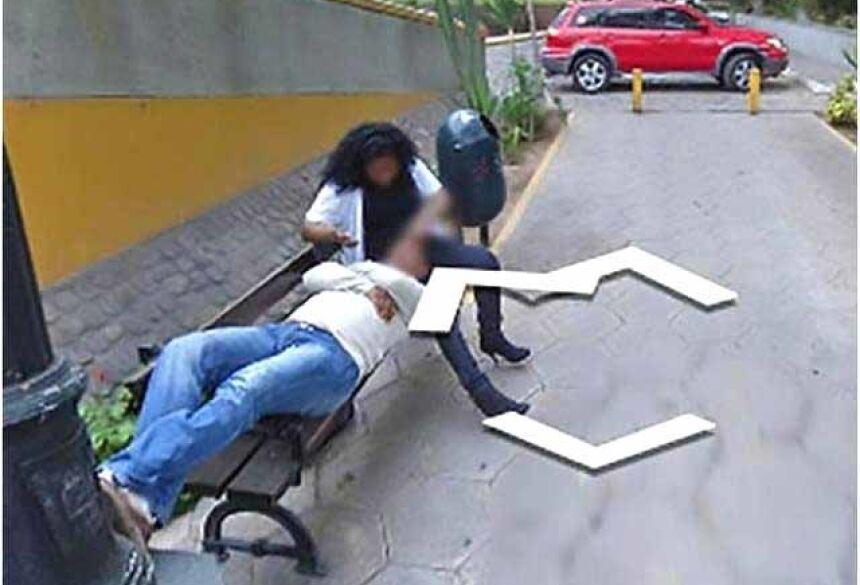 Homem pega mulher com amante em fotos do Google Maps – Reprodução/CEN/GoogleMaps