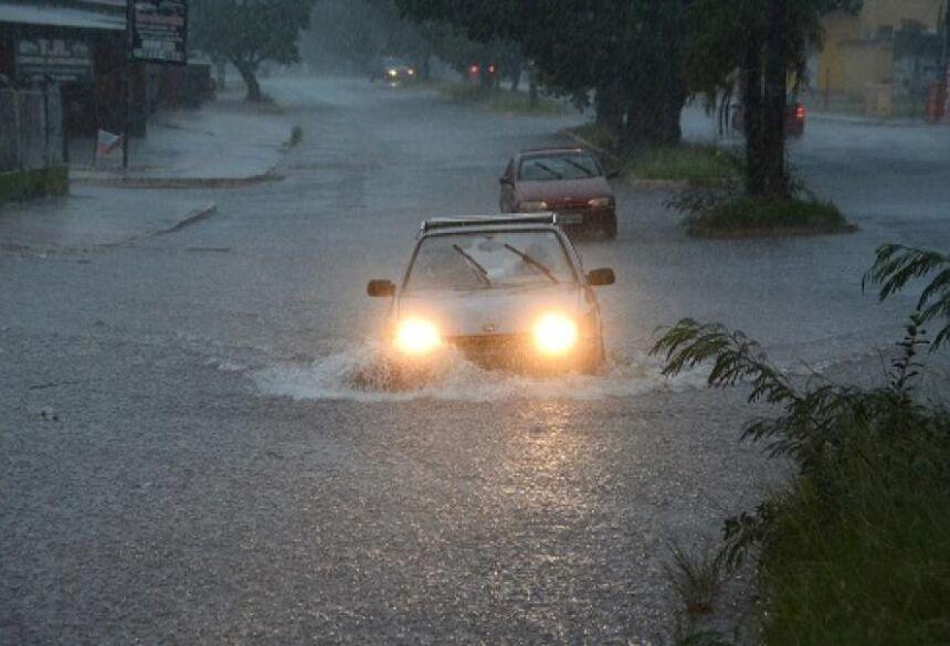 Previsão é de mais chuvas e alagamentos no sábado (24) em todo Estado - Foto: Bruno Henrique / Correio do Estado
