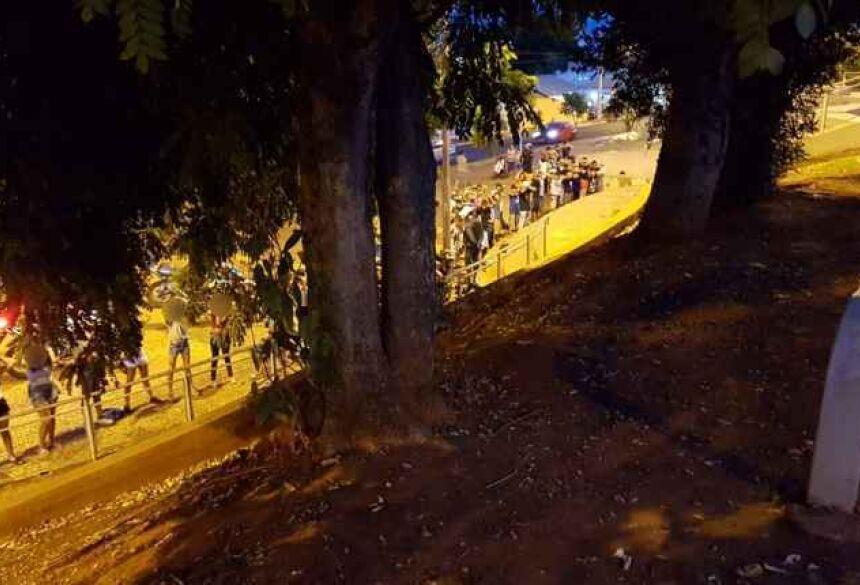Adolescentes foram enquadrados pela polícia na noite deste sábado (15) | Foto: Reprodução/WhatsApp Midiamax