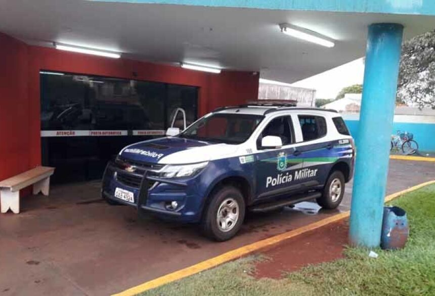 Policias militares estiveram no hospital colhendo informações ( Fotos: Olimar Gamarra)
