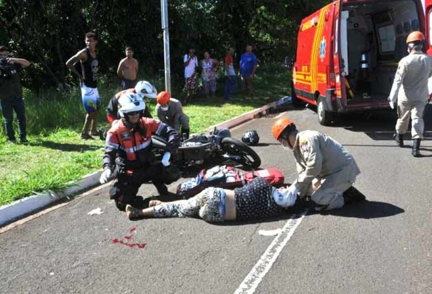Acidente ocorreu nesta manhã, no Guanandi. - Foto: Valdenir Rezende/Correio do Estado