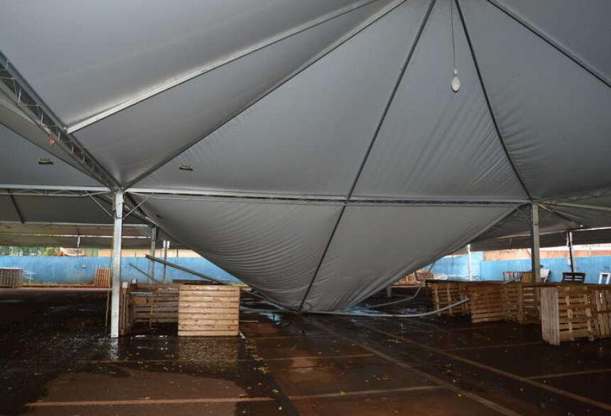 Secretário de Agricultura cita cerca de 30 metros da estrutura cedeu Foto: Gizele Almeida