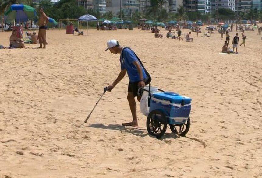 Marco Antonio colhe lixo - Foto: reprodução / TVGazeta
