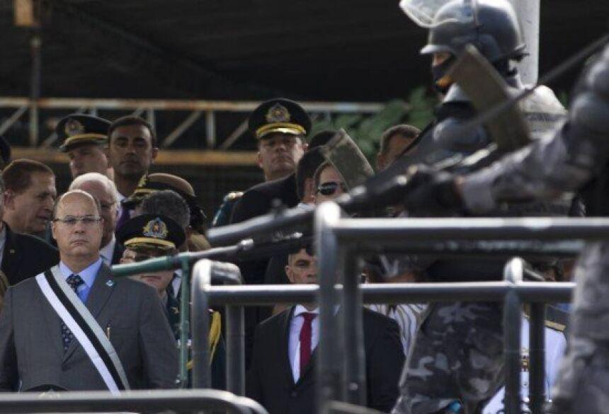 Witzel na posse do coronel Rogério Figueredo no comando da Secretaria da Polícia Militar Foto: Márcia Foletto / Agência O Globo