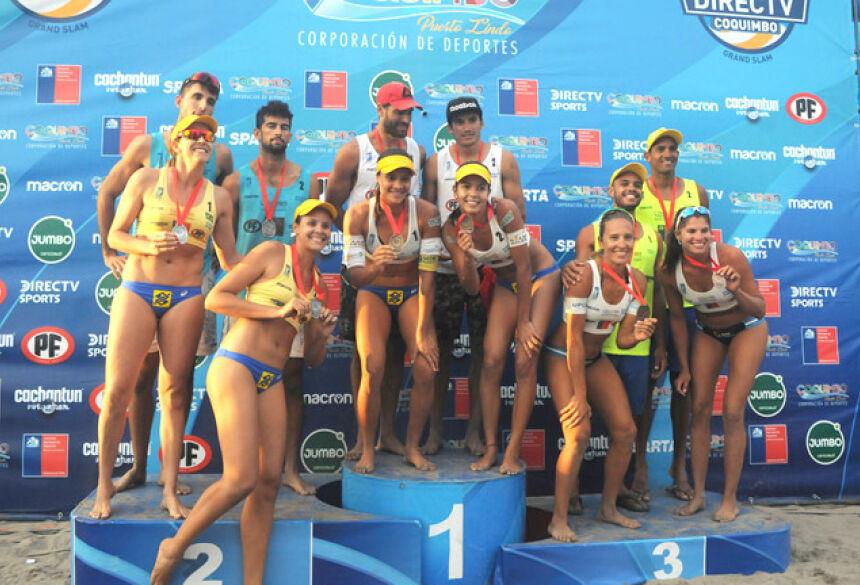 No primeiro lugar feminino, Tainá Bigi (SE), (número 1) e Victoria Lopes (MS) (número 2) - Foto: Divulgação/TopComunicaciones