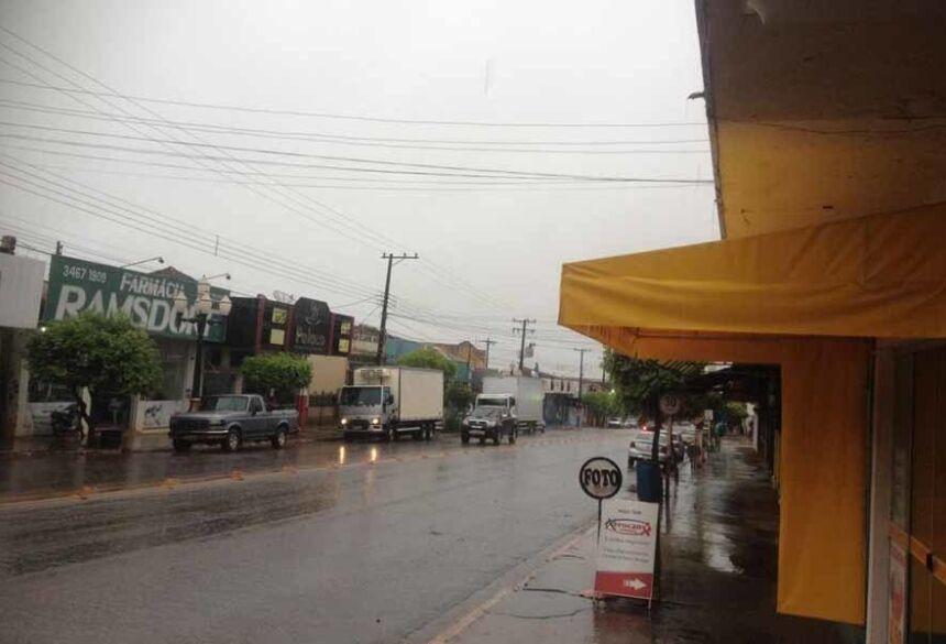 Dia chuvoso em Fátima do Sul (foto: AdeLuz)