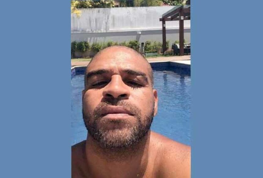 Sem contrato, Adriano põe patrimônio à venda e amigos temem pelo futuro do Imperador Foto: reprodução/instagram