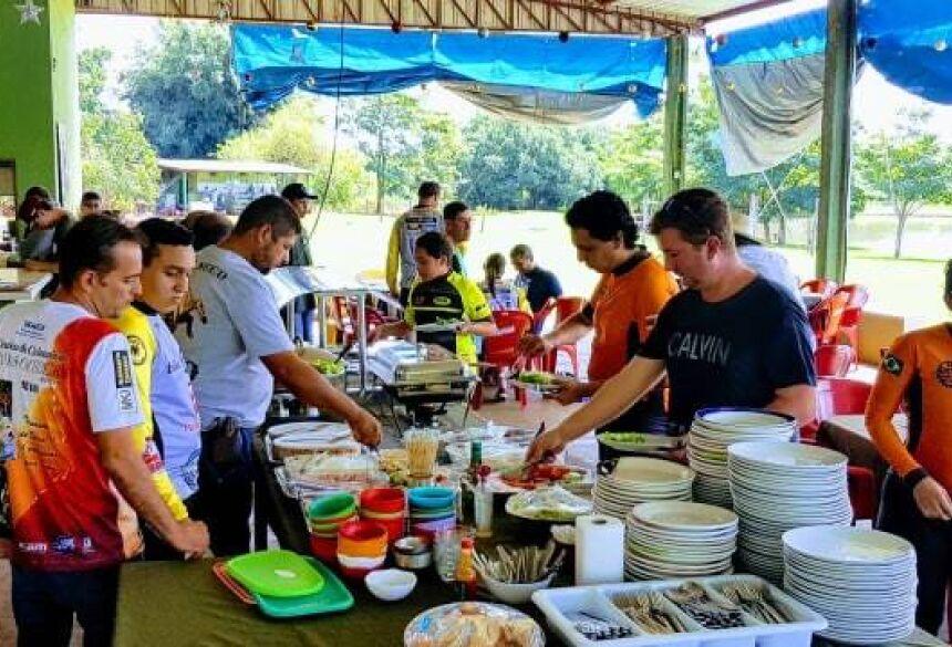 ROGÉRIO SANCHES / FÁTIMA NEWS - Confira o cardápio do almoço deste Domingo de Páscoa no Pesqueiro 7 Bello