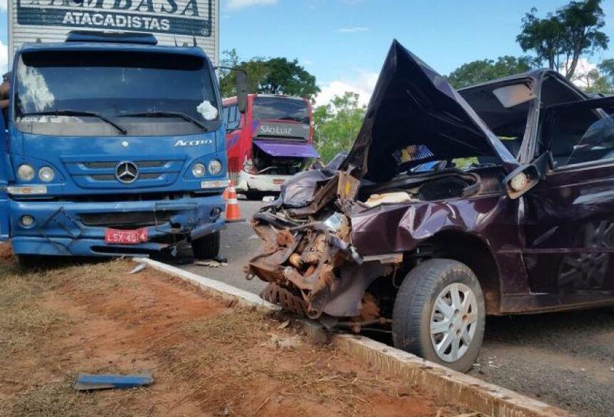 Cinco veículos se envolveram no acidente. Foto: Da Redação