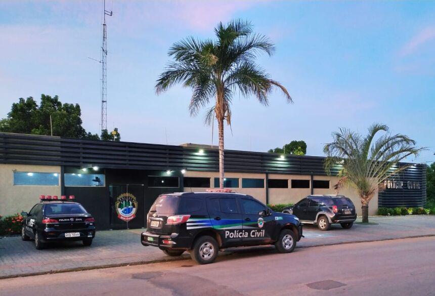 Polícia Civil fecha 'boca de fumo' e droga avaliada em R$ 20 mil na porta de escola em Bonito (MS)