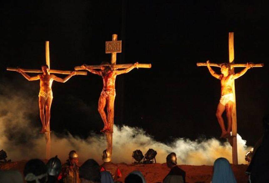 Foto: Glória Informa - Glória de Dourados apresenta a 15ª edição da Paixão de Cristo nos dias 18 e 19 de Abril