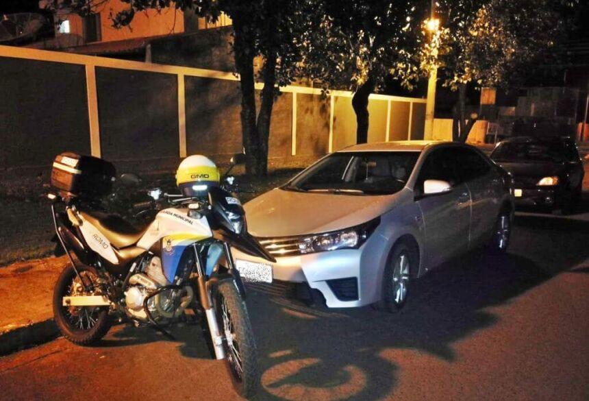 Assaltantes provocam acidente em Dourados depois de roubar carro em Fátima do Sul