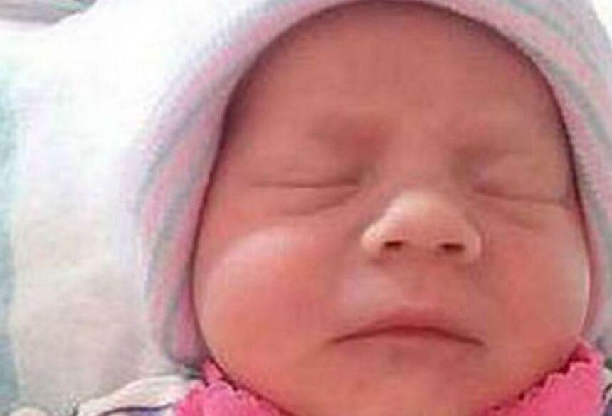 Mãe e pai tiram a vida de bebê recém-nascida de 15 dias - Foto: R7