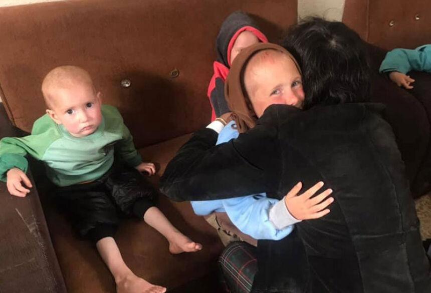 Patrício com os netos - Foto: Reprodução/Facebook/Patricio Gálvez