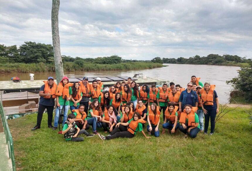 Alunos do Vicentte Pallotti de Fátima do Sul conhecem o Green Farm em Itaquiraí, VEJA FOTOS