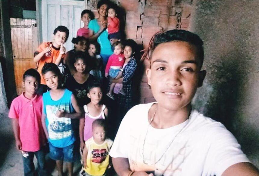 Sidneia e os filhos - Odilon da Silva Vieira/Arquivo Pessoal