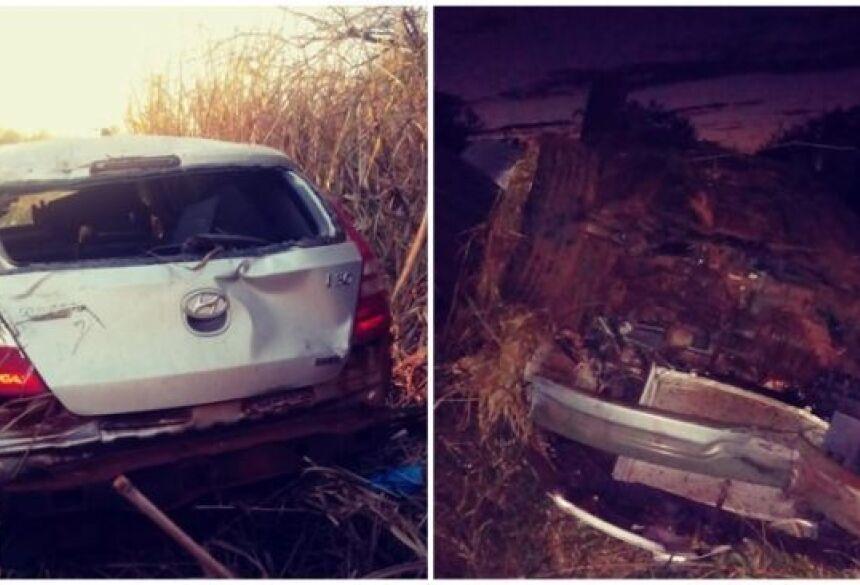 Carro capota e passageira é arremessada para fora do veículo entre Ivinhema e Deodápolis