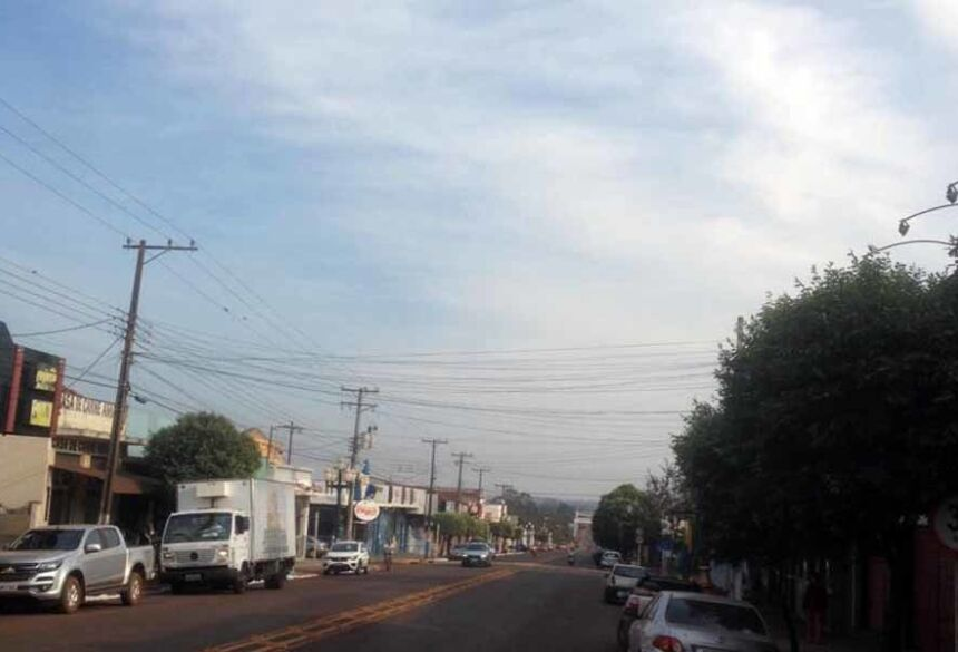 Em Fátima do Sul, céu com muitas nuvens (foto Adeluz)
