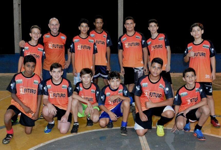 Projeto Futsal Futuro recebem novos uniformes de treino em Glória de Dourados