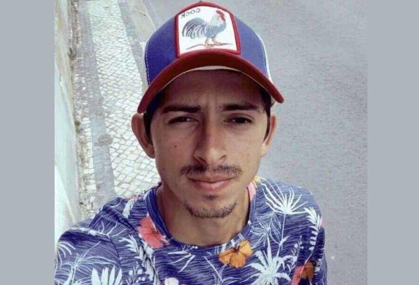 Gustavo Inácio da Silva morreu durante acidente de trabalho no último sábado (10). Fotos: Divulgação