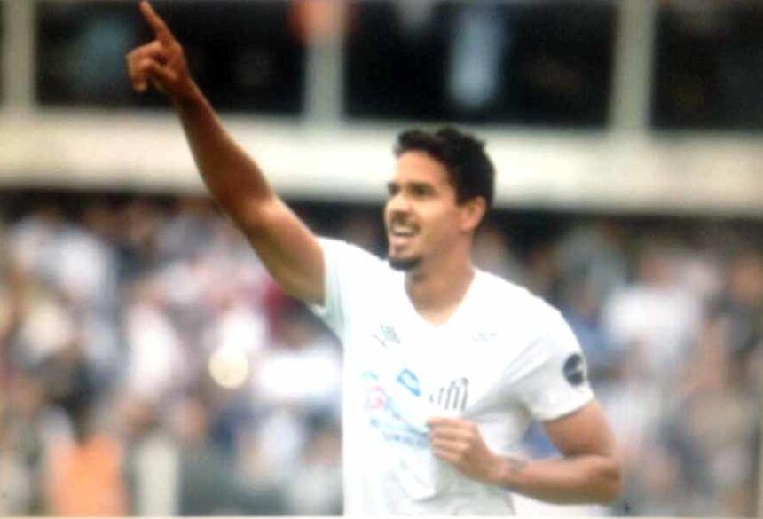 Lucas Veríssimo fez um dos gols e evitou vários contra-ataques do Goiás. Voltou de suspensão em grande estilo