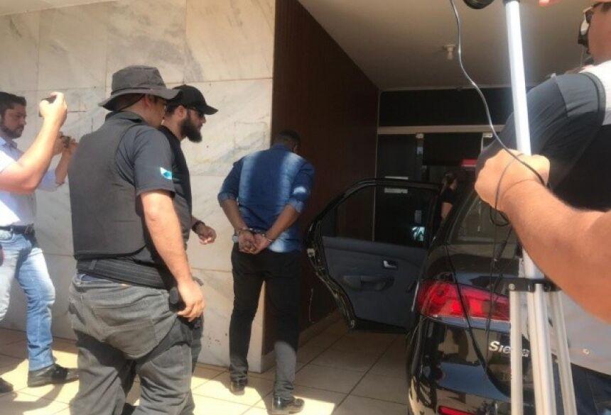 Técnico de informática foi preso no Vilas Boas (Foto: Kerolyn Araújo)