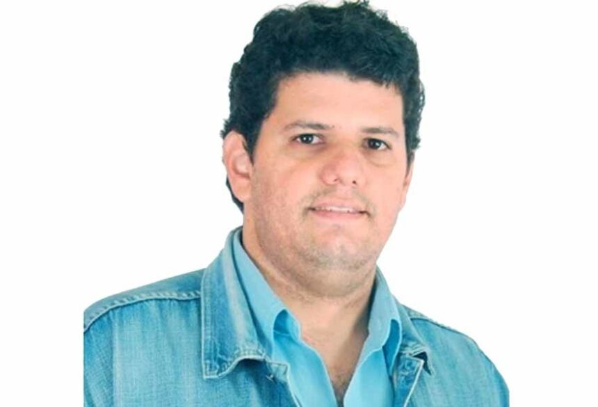 Mestre em História pela UFGD, professor em Fátima do Sul (MS) e pesquisador da história política de MS, desde 2007. E-mail: wc-chagas@hotmail.com
