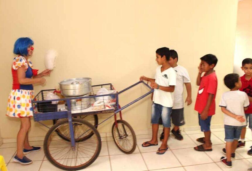 Valéria animou a festinha do Rodrigo: Imagens: AdeLuz