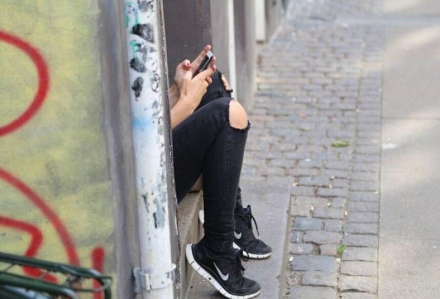 Segundo informações da polícia, a docente e a estudante mantinham um relacionamento virtual há cerca de cinco meses.