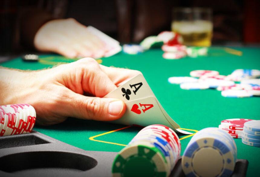 Ao longo dos últimos anos, o poker passou de uma atividade de entretenimento e recreativa para uma atividade profissional