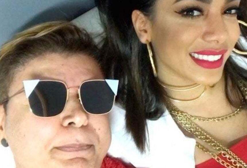 David Brazil causa ao expor bumbum de Anitta sem ela saber (Imagem: Reprodução/Instagram)