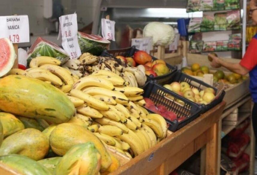 Alimentos impróprios para venda podem ser reaproveitados por instituições assistenciais (Foto: Kísie Ainoã/Arquivo)