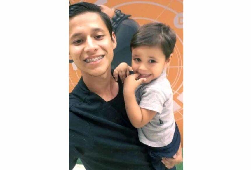 Evaldo contou que havia sido vítima de um assalto ao parar em uma conveniência para comprar um todynho para o filho.