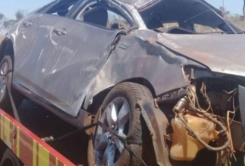 Carro teve perda total. Fotos: Divulgação