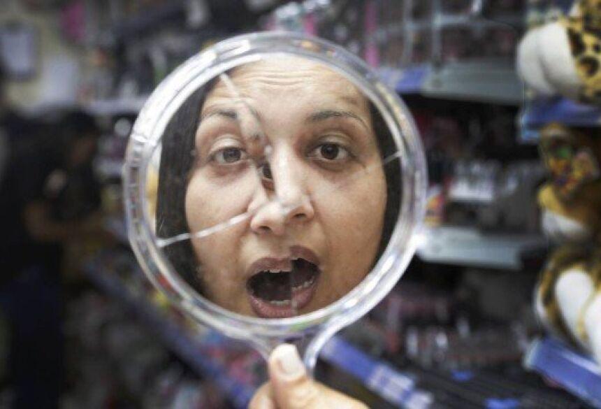 Rizelda Nascimento já quebrou espelhos em casa Foto: Marcos Ramos / Agência O Globo