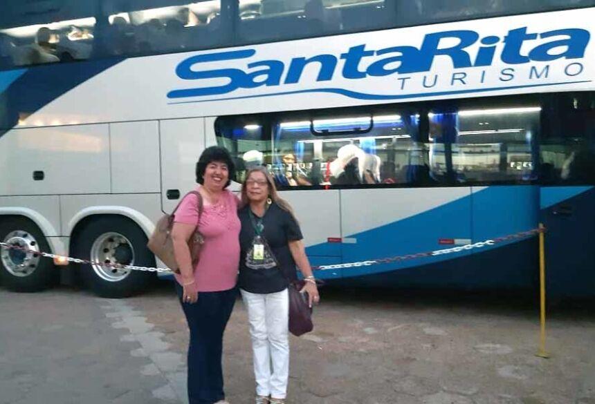Aurinete com a organizadora da Romaria, Antonia Vasconcelos
