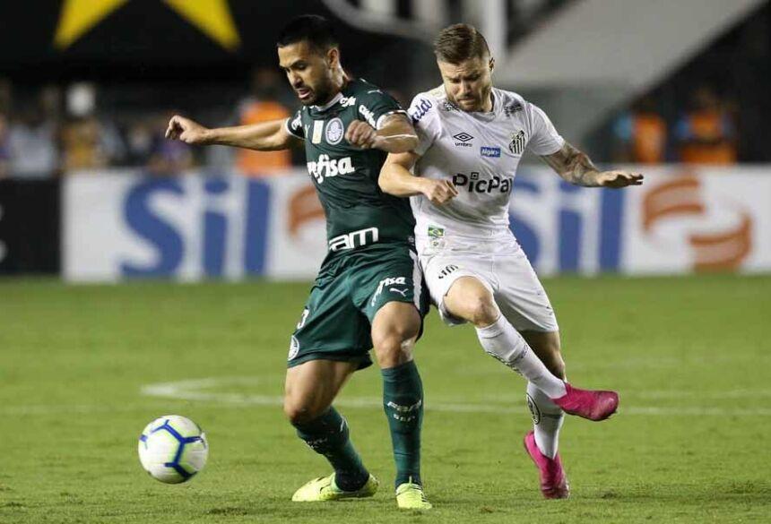 Santos e Palmeiras têm os mesmos 47 pontos ganhos, mas o time alvinegro contabiliza uma vitória a mais (14 a 13)