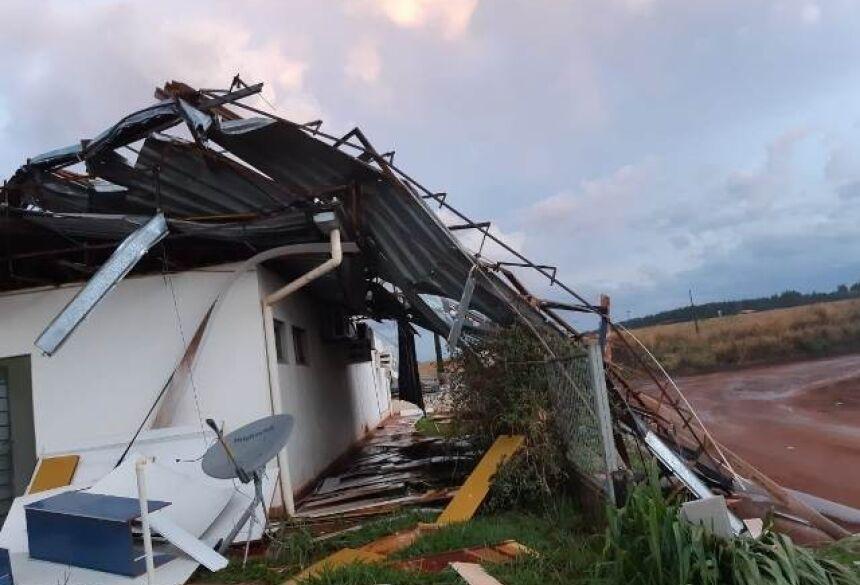Empresa teve a estrutura danificada pelos fortes ventos - Foto: Foto: WhatsApp / Correio do Estado