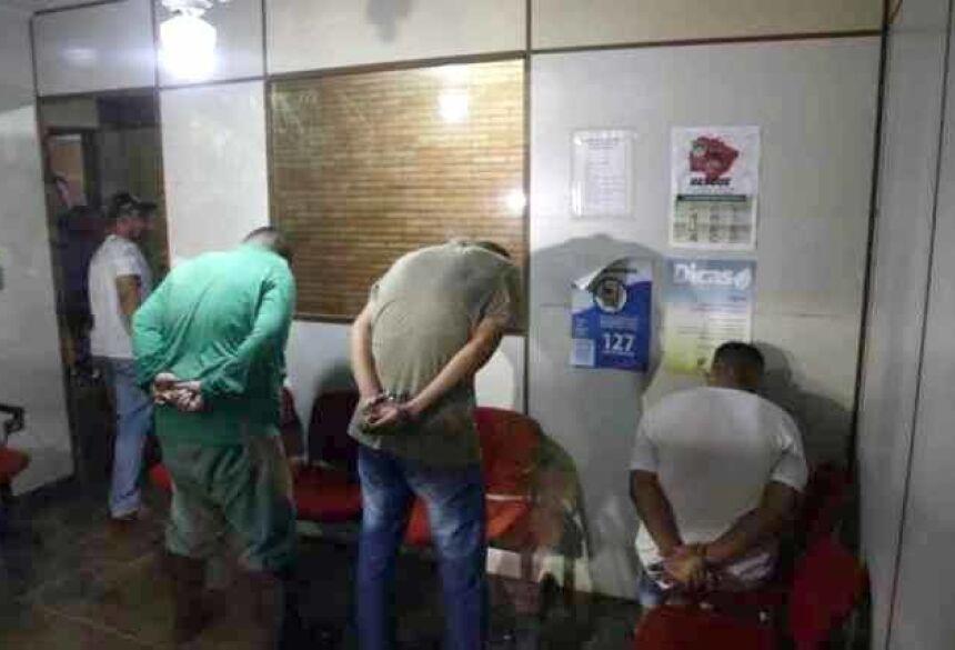 Três foram presos (Foto: Henrique Arakaki, Midiamax)