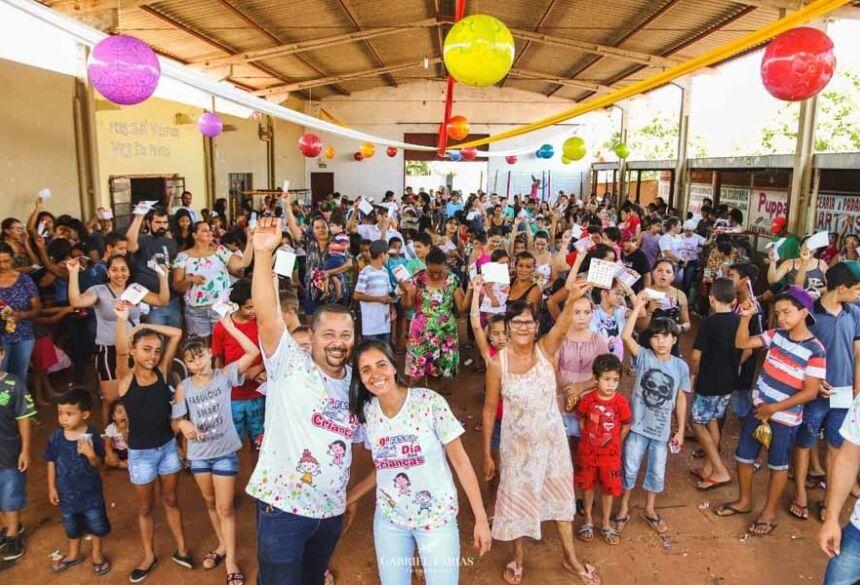 O feriado de 12 de Outubro, comemorado o dia das crianças e de Nossa Senhora Aparecida, teve comemoração para a criançada do bairro Centro Educacional em Fátima do Sul.Fotos: Gabriel Farias