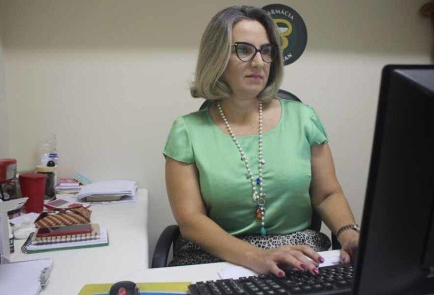 Eleita conselheira, Letícia Castellani Duarte, coordenadora de Farmácia da UNIGRAN, representa a região da Grande Dourados