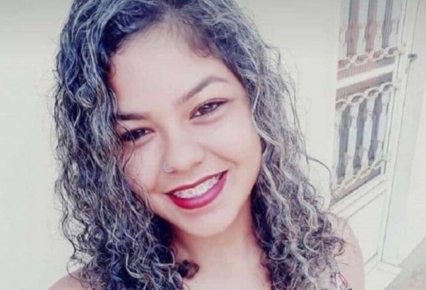 Anne Stefany da Costa Soares, de 27 anos, morreu na manhã desta quinta-feira (Foto: Arquivo pessoal)