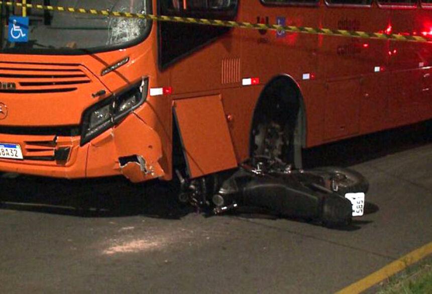 Familiares foram até o local do acidente e ficaram inconformados com a fatalidade.