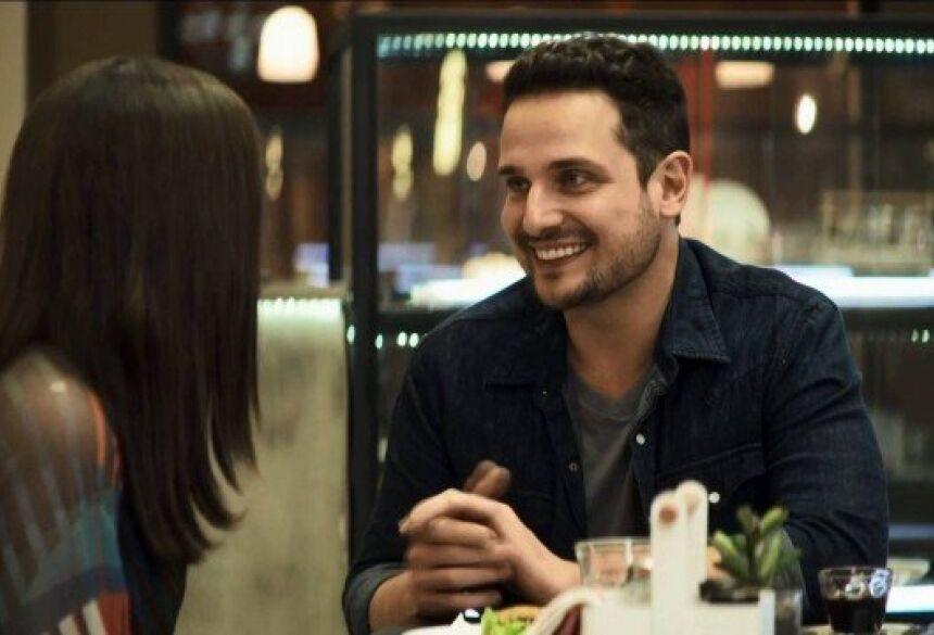 Lauro é um cara que não se relaciona com ninguém de verdade, diz Ricardo Monastero Foto: reprodução